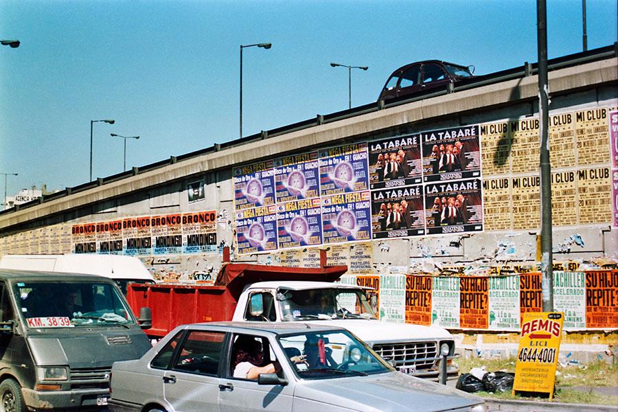 Alberto Goldenstein, Barrio Liniers, serie Flâneur, 2004, fotografía analógica, 27 x 39 cm