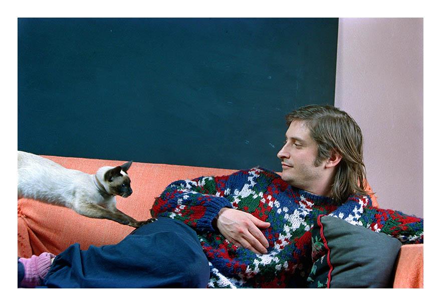 Alberto Goldenstein, Alfredo Londaibere en nuestra casa, serie El mundo del arte, 1988, copia tipo C, 20 x 25 cm